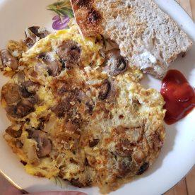 Mushroom onion omlette