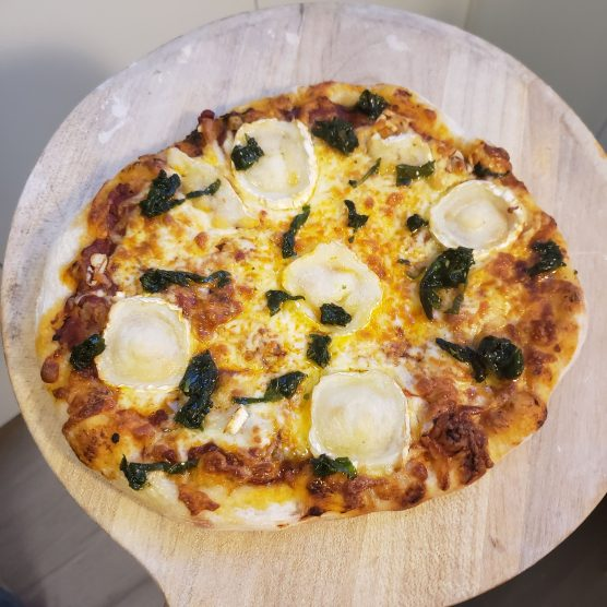 Mozz and goats cheese pizza