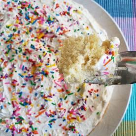 Vanilla cake with lemon buttercream